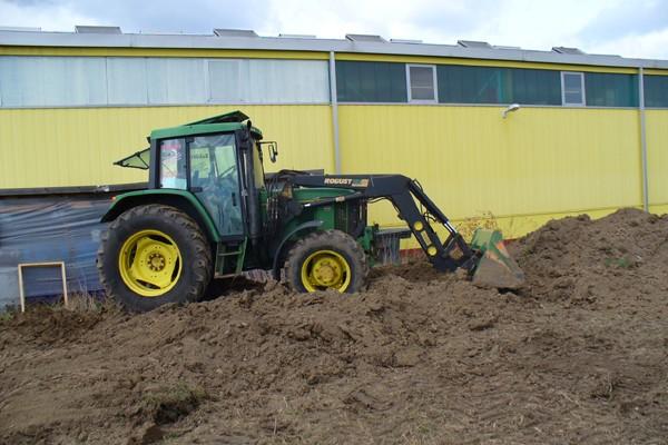 traktor6C72AD13C-8B06-507A-8FB1-3A808346AADC.jpg